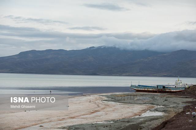 شناسایی 22 هزار حلقه چاه غیرمجاز در اطراف دریاچه ارومیه