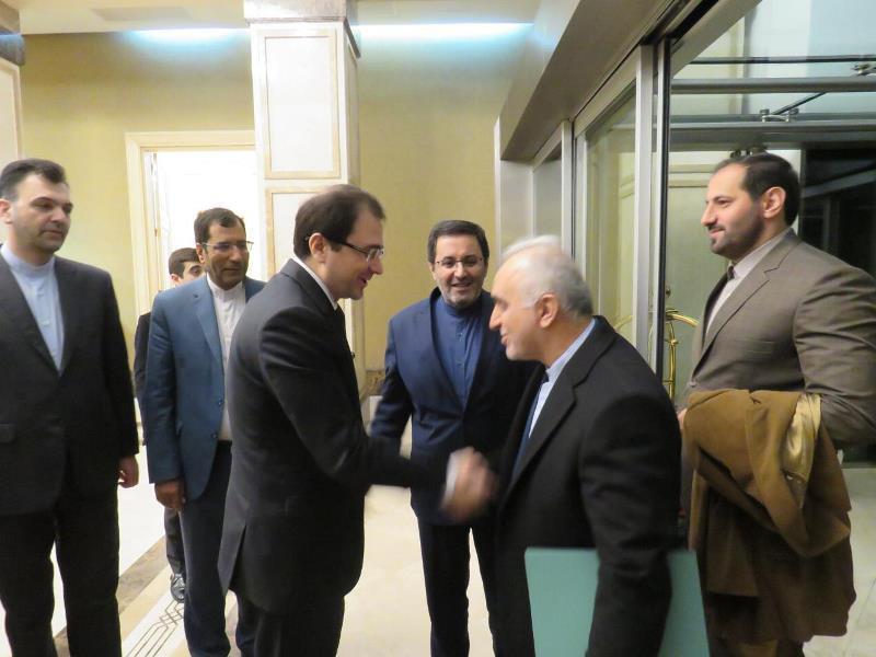 وزیر امور اقتصادی و دارایی ایران وارد باکو شد